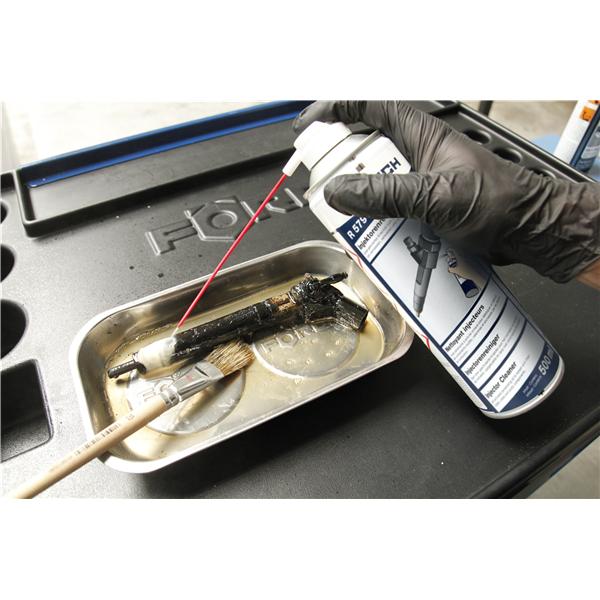 čistič injektorů r579